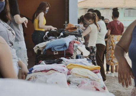 Lages: Varal Solidário beneficia dezenas de pessoas