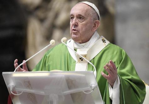 Papa no Dia Mundial dos Pobres: vamos estender a mão e ver Jesus nos pobres