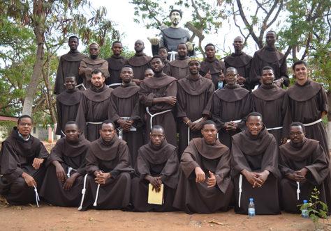 Angola: Frades do tempo de Filosofia fazem retiro para a Renovação dos Votos
