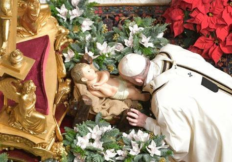 Missa de Natal: fixar o olhar na manjedoura de Belém, não na manjedoura da vaidade