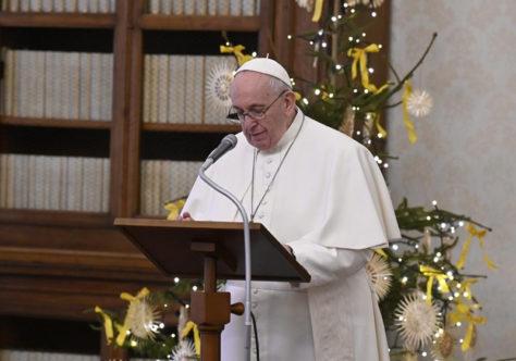 Papa Francisco: Deus nos acaricia com a sua misericórdia