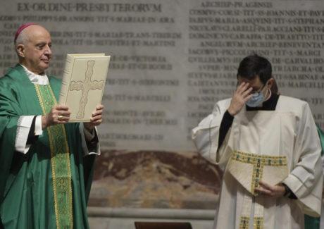 """Papa: """"A Palavra de Deus é a carta de amor escrita para nós"""""""