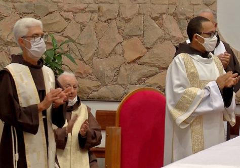 Frei Alan e Frei Osvaldo são apresentados à comunidade de Pato Branco