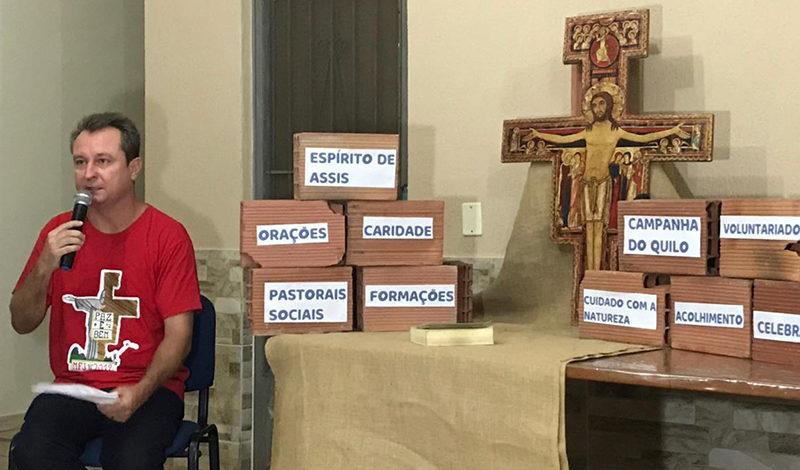 Formação sobre a Campanha da Fraternidade na Paróquia Santa Clara