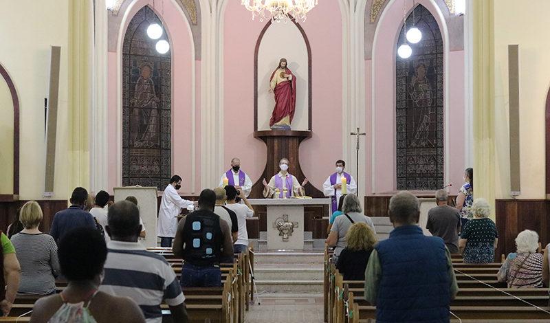 Editora Vozes celebra 120 anos no Jubileu de 125 anos de presença franciscana em Petrópolis