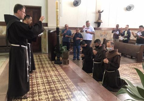 """Frei César pede """"união de forças"""" depois da caminhada ao Santuário Frei Galvão"""