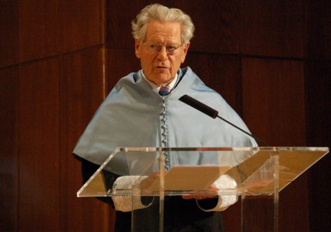 Faleceu o teólogo suíço Hans Küng