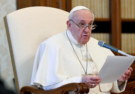 Papa: construir um mundo solidário é uma forma de fazer história