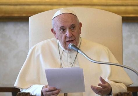 """Papa: """"Por uma Igreja pobre 'com e para' os pobres"""""""