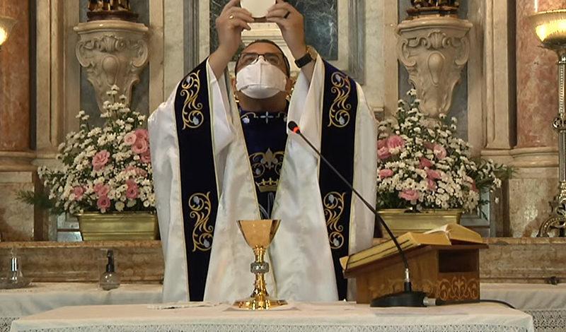 """Pe. Rodrigo: """"Ao encontrar com Cristo não temos como manter o mesmo caminho"""""""