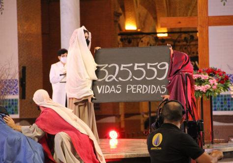 Via-Sacra do Santuário Nacional: Contemplação dos crucificados pela pandemia