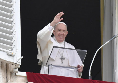 Papa: a Eucaristia não é o prêmio dos santos, mas o pão dos pecadores