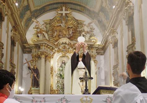 Frei Mário lembra o encontro de São Francisco e Santo Antônio, há 800 anos