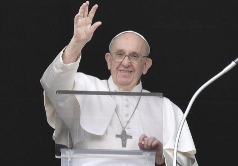 Papa Francisco: acredite no amor, no poder do serviço, na força da gratuidade