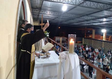 Paróquia Santa Clara de Imbariê celebra a sua Padroeira