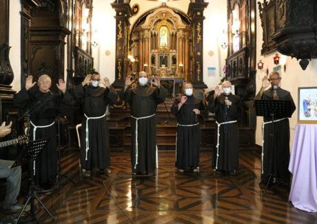 Convento da Penha: Frades rezam Terço pelas vocações
