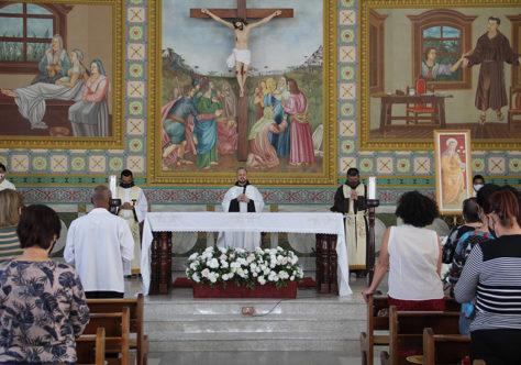 Santa Clara de Assis celebrada no Santuário Frei Galvão