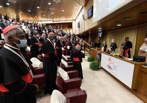 Francisco: Sínodo, expressão viva do ser Igreja. Escutar o Espírito e os irmãos.