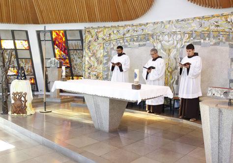 Fraternidade celebra a Mãe de Deus e a Padroeira do Brasil