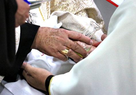 Entenda o rito da ordenação presbiteral