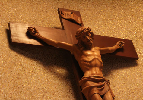Era preciso que Cristo morresse na Cruz?